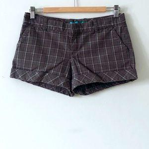 HostPick Aritzia Talula Grey Cotton Plaid Shorts 4